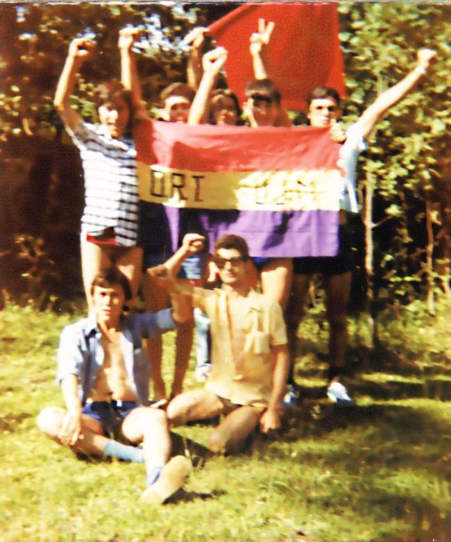 Militantes de la UJM en un campamento republicano en Huelva en el verano del 78